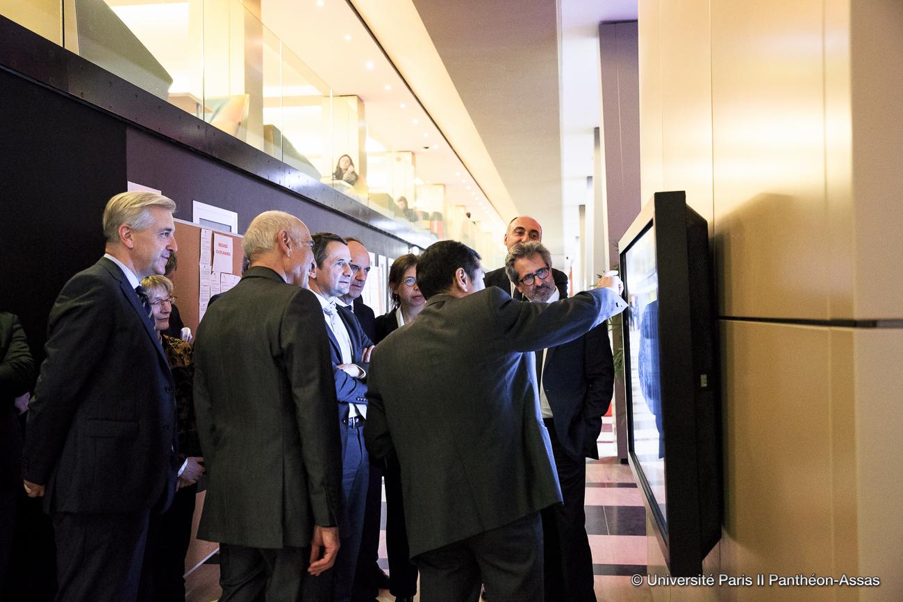 2016_04 Inauguration du Patio ecran tactile