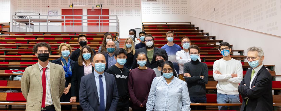Amphithéâtre, rencontre entre les étudiants de Cap'RH (Ciffop) et l'École de la Deuxième Chance Paris (E2C)