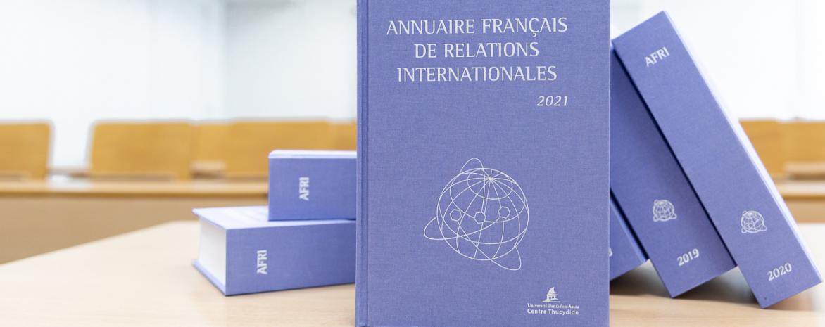 AFRI Annuaire français de relations internationales 2021 Jean-Vincent Holeindre Julian Fernandes Covid multilatéralisme