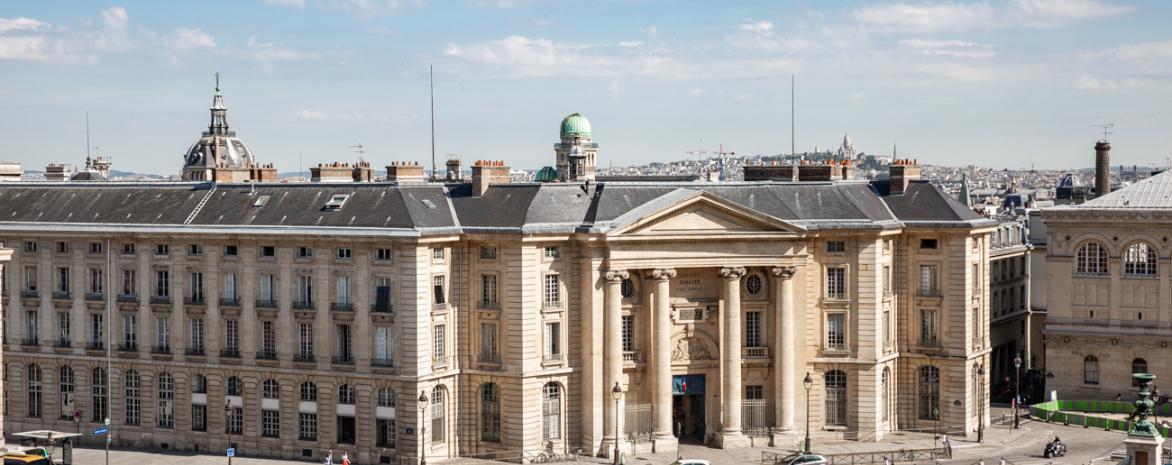 Calendrier Examens Bordeaux Montaigne.Le Prix Montaigne De Bordeaux A Ete Decerne Au Professeur