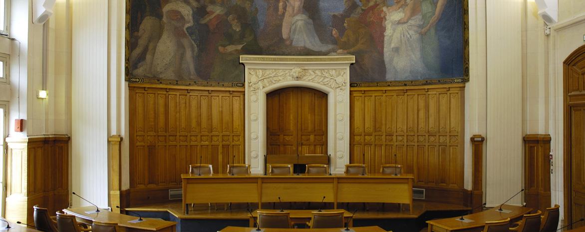 Photo de la salle des conseils du centre Panthéon