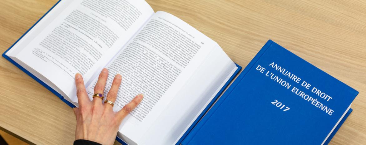 Photo de l'annuaire de droit européen 2017