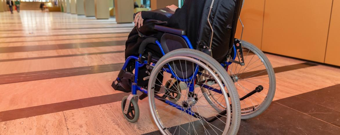 accessibilite-fauteuil-roulant-assas-handicap-paris