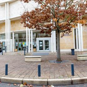 Façade du centre Melun