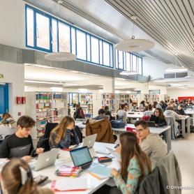 Bibliothèque universitaire de Melun