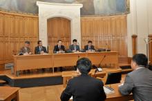 Déégation du Parquet populaire de Shanghai en salle des Conseils